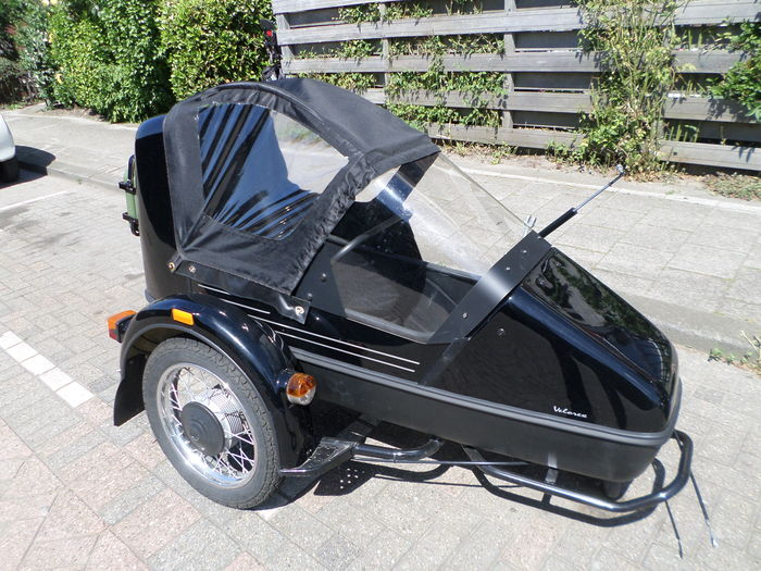 Velorex 700 Tour Sidecar convertible top