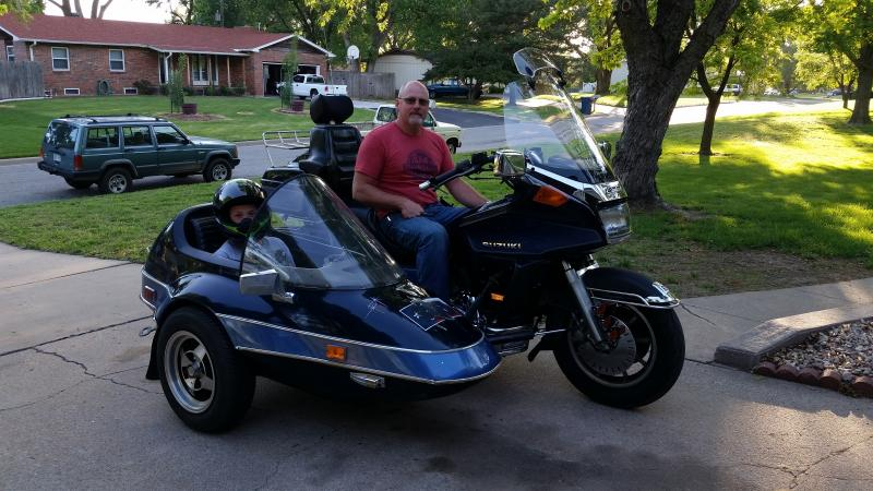 Bill T. 1986 Suzuki Cavalcade LXE an California Sidecar Friendship I