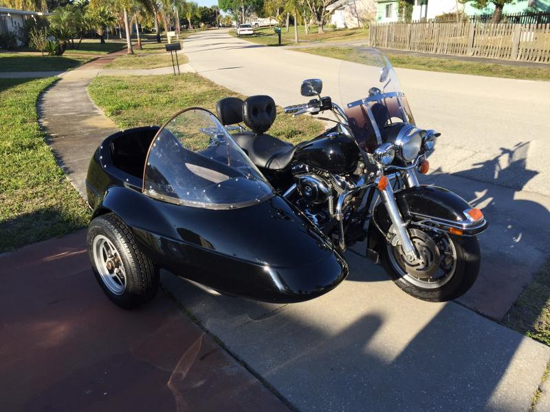 Harley-Davidson Roadking and California Friendship I Sidecar