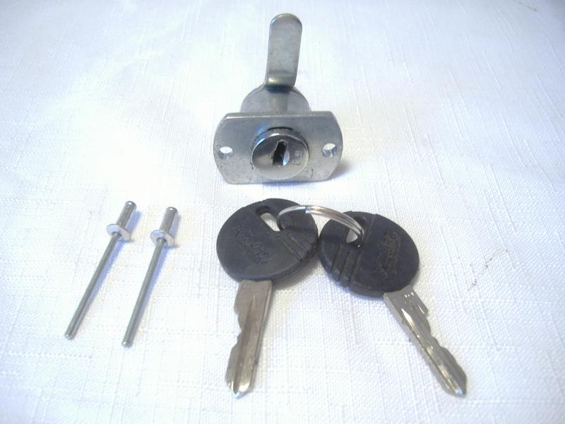 Inder Sidecar Trunk Lock 2 Rivets Style Keys