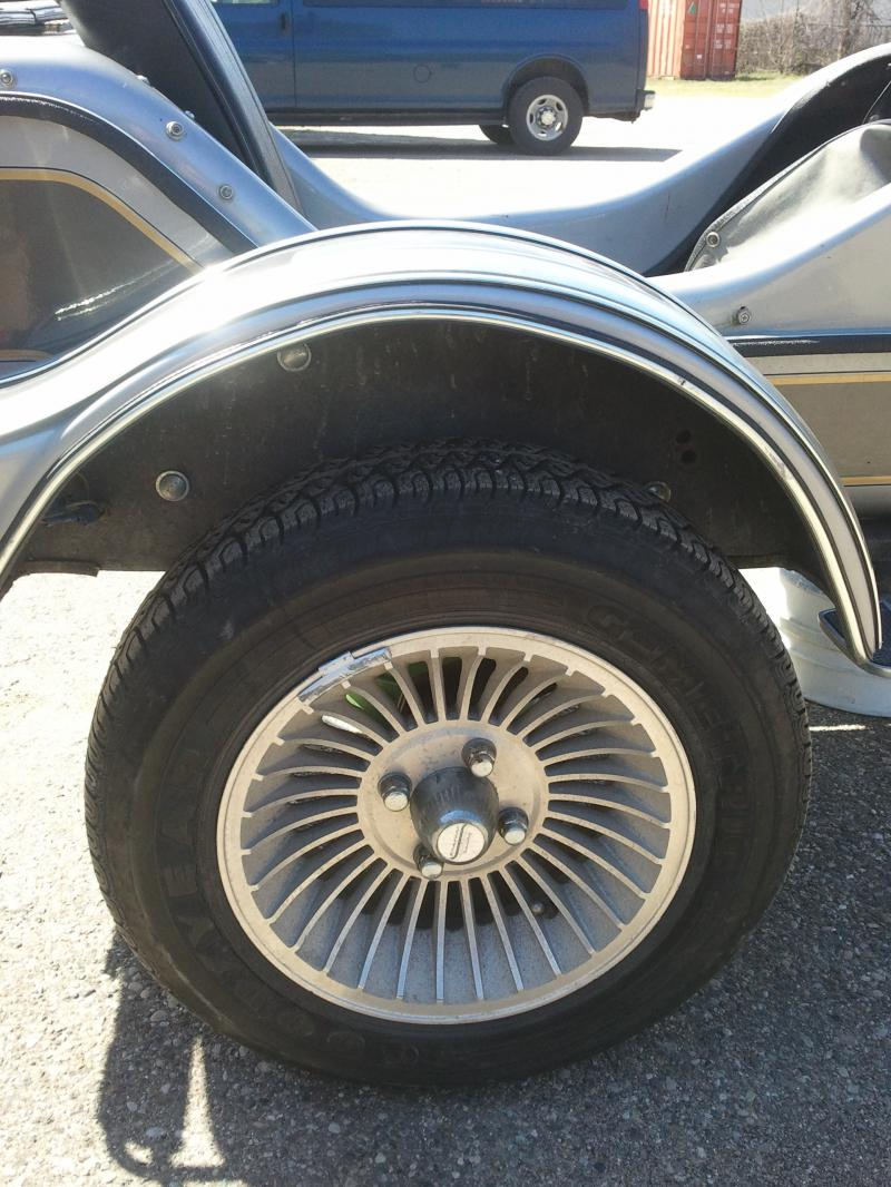 Hitchhiker sidecar wheel & tire