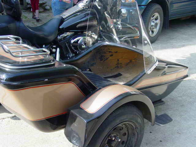 Hitchhiker sidecar widebody fender