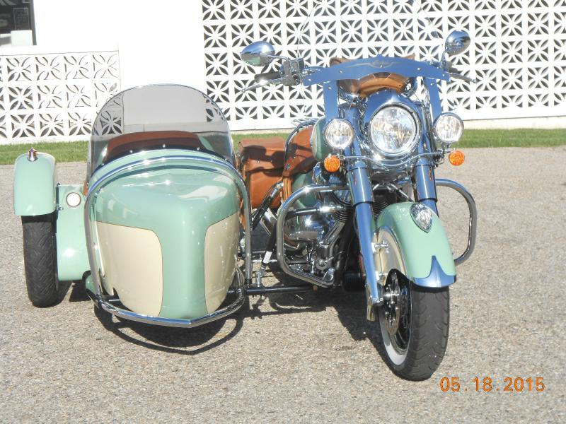 Indian Motorcycle & Hannigan Vintage Sidecar Green & Cream Front