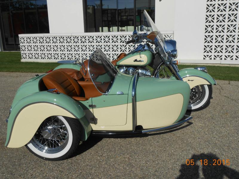 Indian Motorcycle & Hannigan Vintage Sidecar Green & Cream