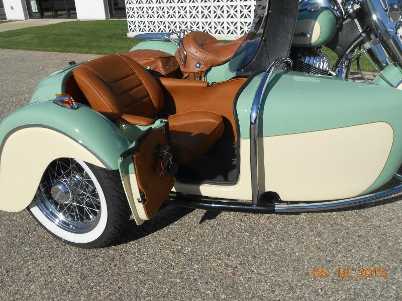 Indian Motorcycle  & Hannigan Vintage Sidecar Door Open