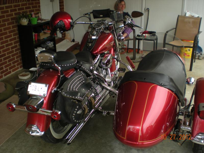 Jim M. an Californis Companion Gt with 1994 Harley Softail rear lean control