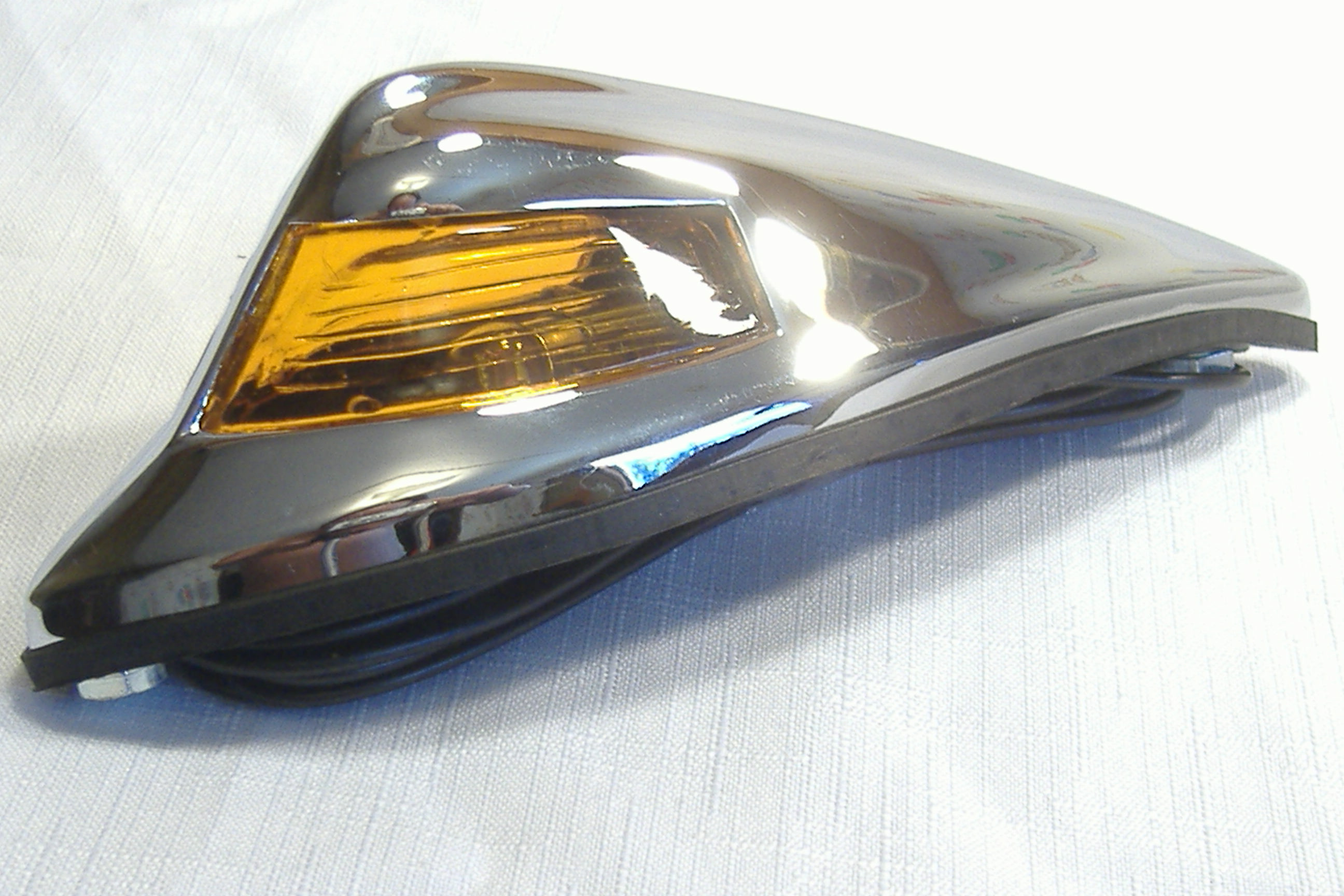 Amber sidecar fender light.
